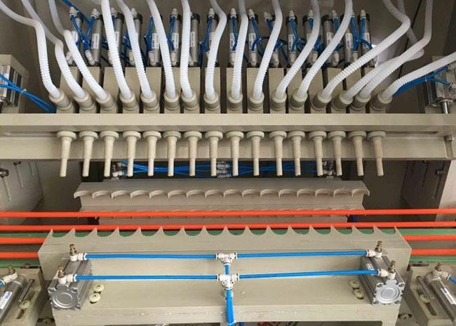 High Accuracy Automatic Liquid Filling Machine